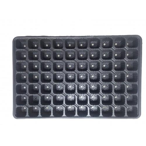 Пластмасова табла за разсад  70 гнезда квадратни